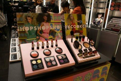 Display MAC Shop MAC Cook MAC Higienópolis