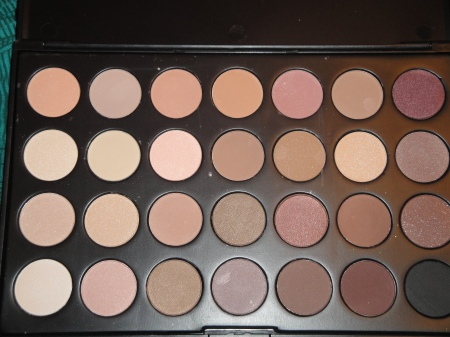 Paleta sombras 28 cores neutras flash