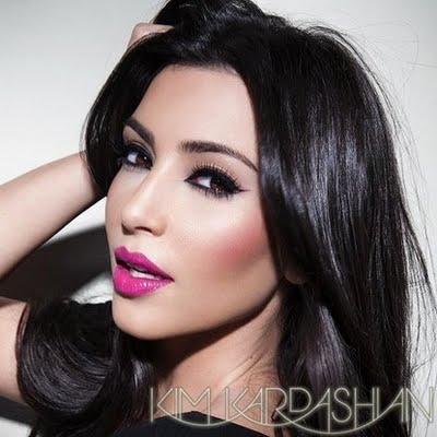 Kim-Kardashian-Makeup pink