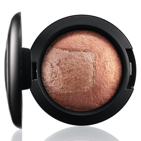 mac-divine-night-Mineralize Eye Shadow in Exquisite Ego