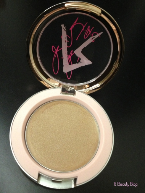 Riri hearts MAC Cream Colour Base Diamonds detalhe