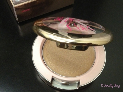 Riri hearts MAC Cream Colour Base Diamonds imagem