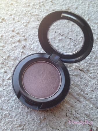MAC eyeshadow satin taupe