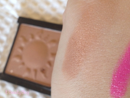 Sally Girl Bronzing Powder swatch