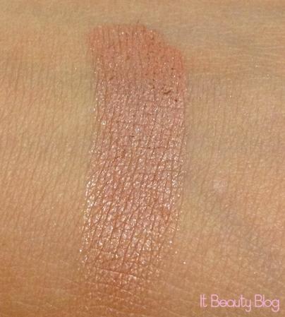 Kreati blush bronzeador swatch
