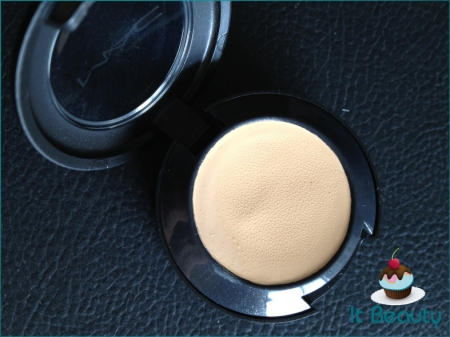 MAC Studio Finish NC20