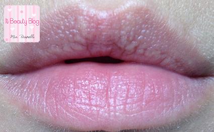 EOS lipbalm pomegranate swatch labios