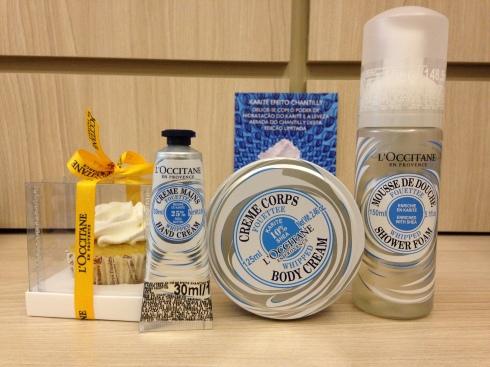 Espuma de banho creme corporal hidratante mãos Loccitane Provence whipped chantilly karite